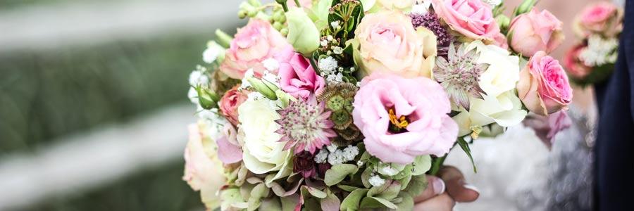 Brautstrauss Werfen Ein Brauch Von Gestern Hochzeits Und Event